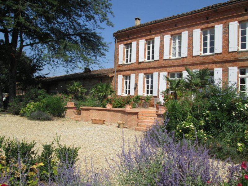 Maison et terrasse Sud